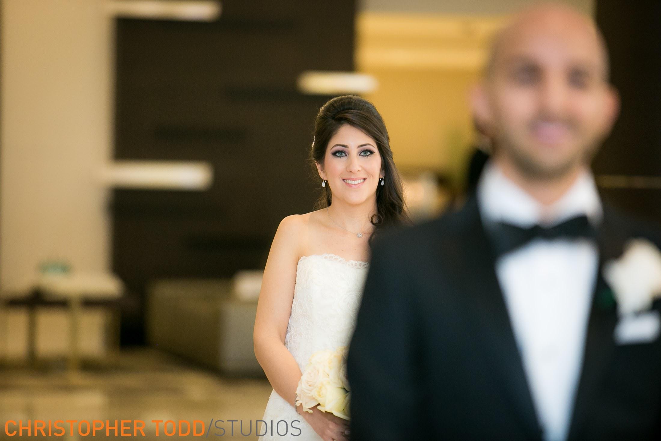 best-first-look-wedding-photos