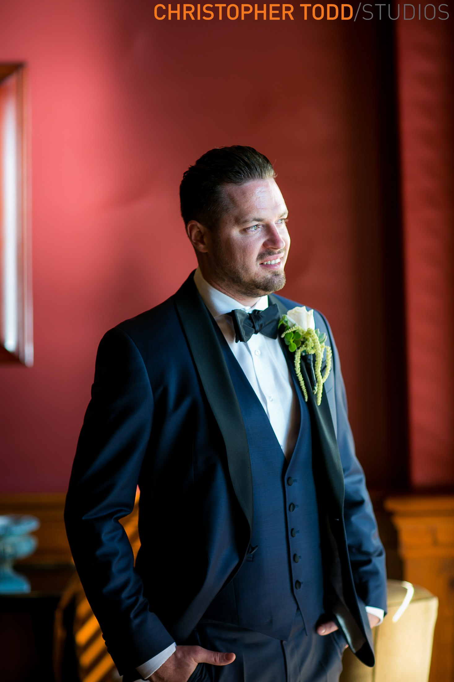 groom-hyatt-huntington-beach-photographer