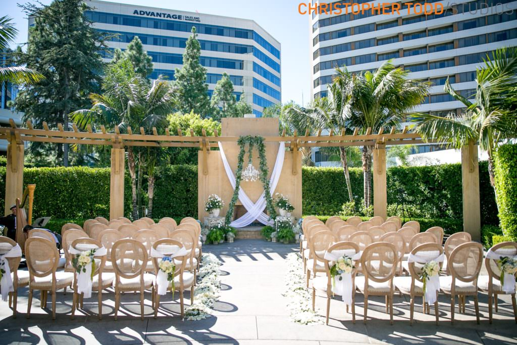 Outdoor micro wedding in Orange County
