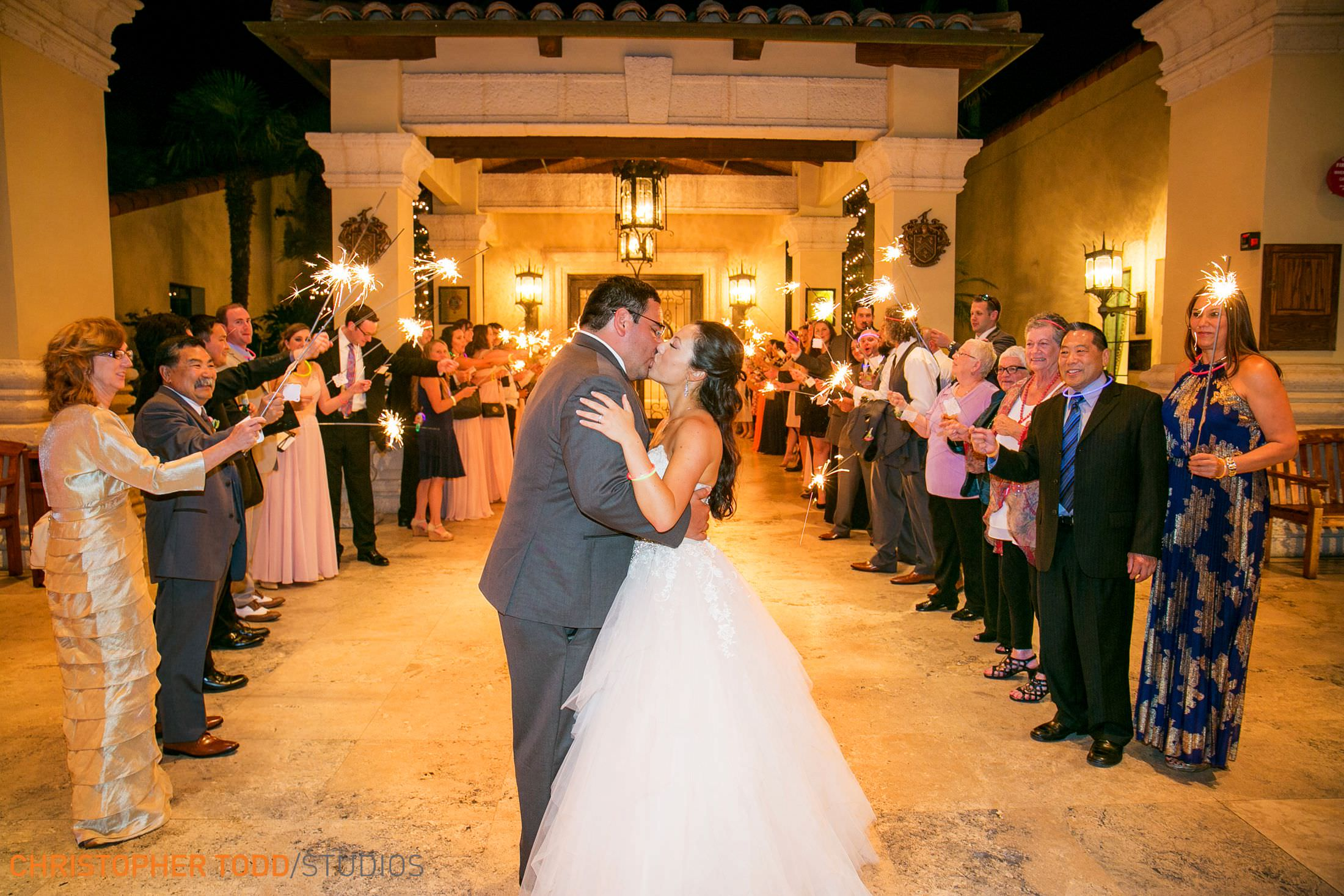 palos-verdes-wedding-photo-sparkle-exit
