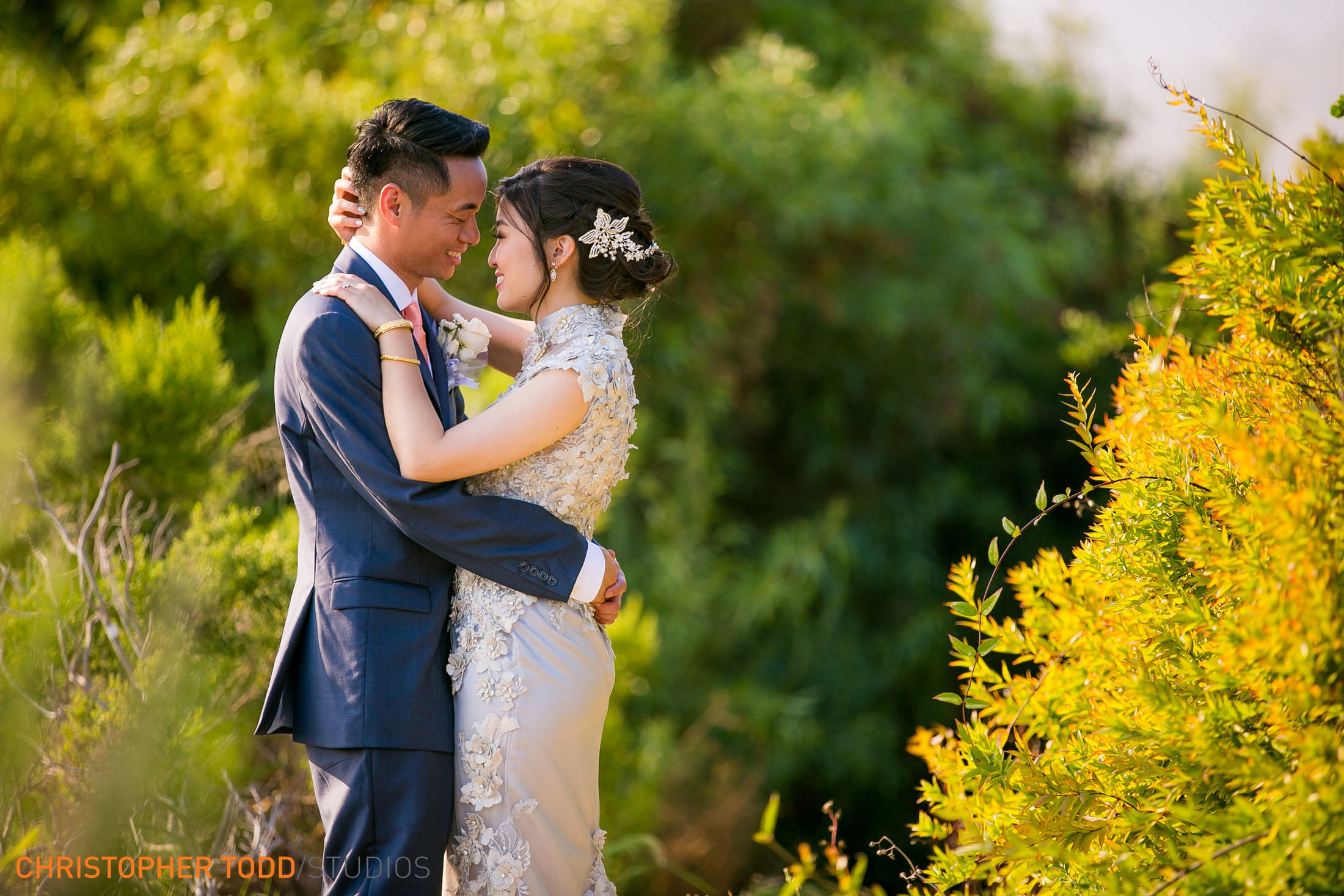 bride and groom portrait in chinese gown at trump national golf club wedding photography