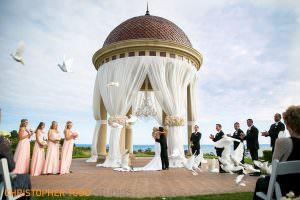 pelican-hill-wedding-dove-release