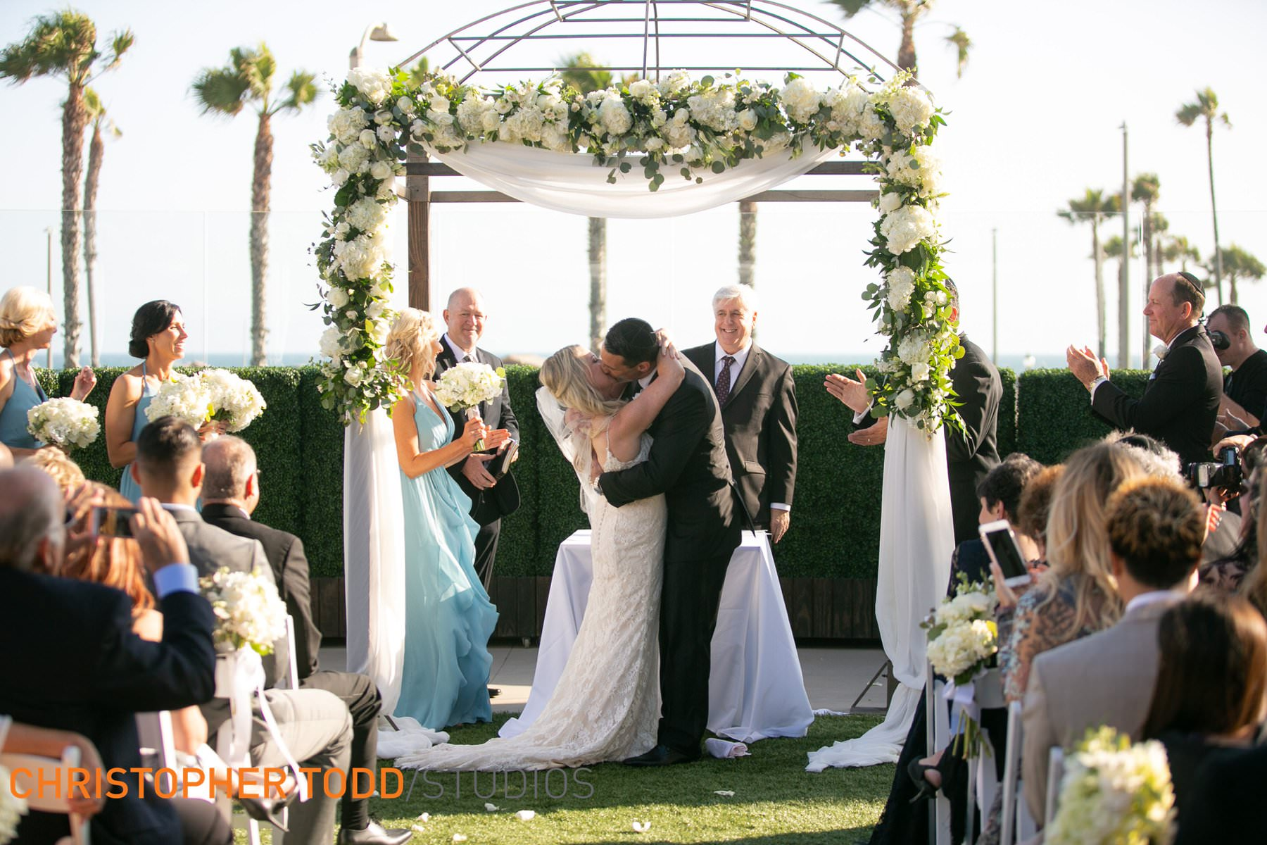 weddings-at-waterfront-resort-huntington-beach