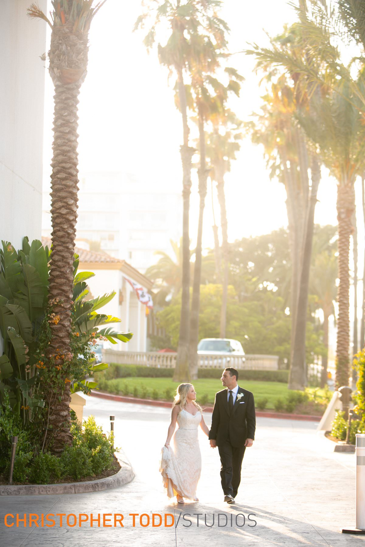 bride-&-groom-at-waterfront-hilton