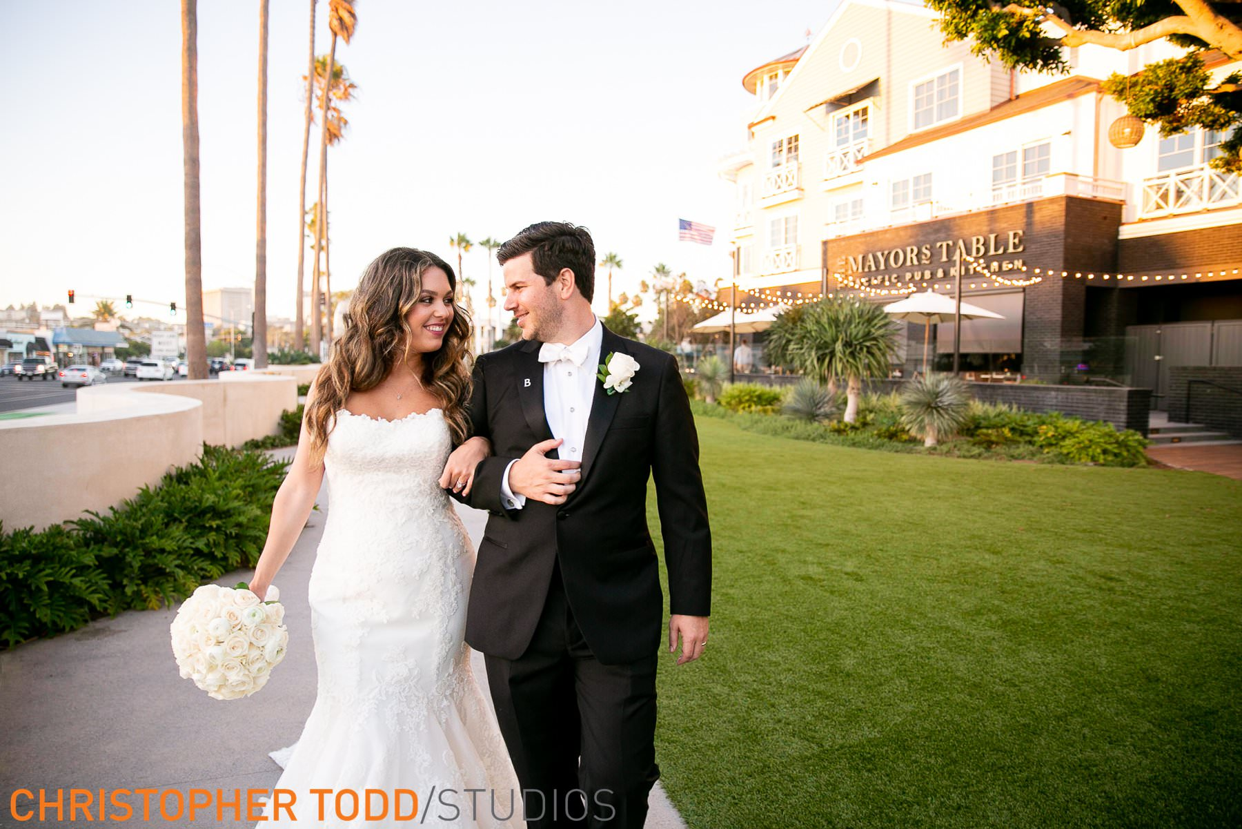 wedding-photographer-for-lido-house-hotel