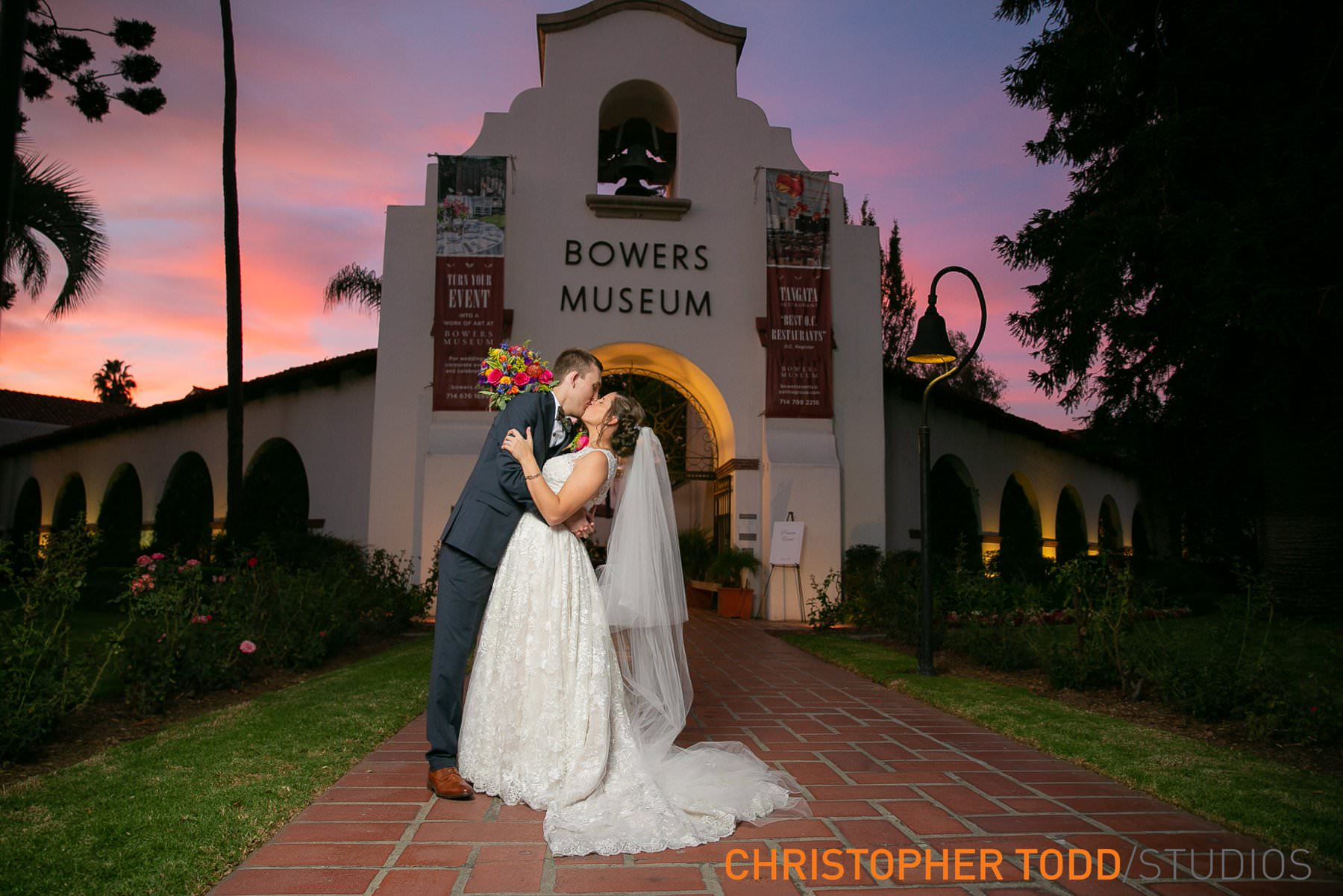 wedding-photos-at-bowers-museum