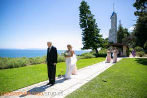 wedding-photographers-at-wayfarers-chapel