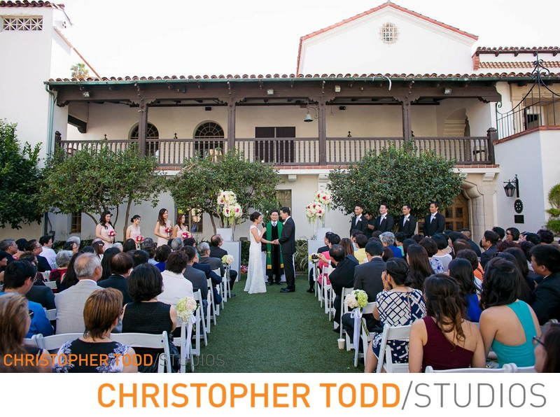 bowers-museum-outdoor-wedding-ceremony-courtyard